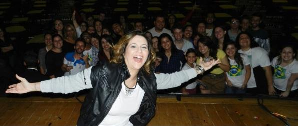 Maria Rita e seus fãs no encerramento do Redescobrir, em São Paulo